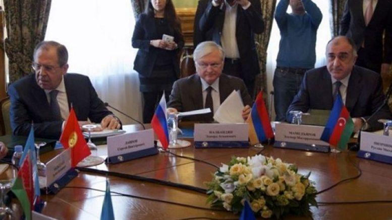 Лавров сообщил, что посетит на следующей неделе Ереван и Баку