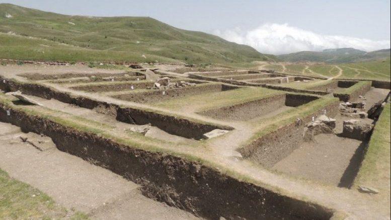 Азербайджан. В Шамахы обнаружен древний некрополь.