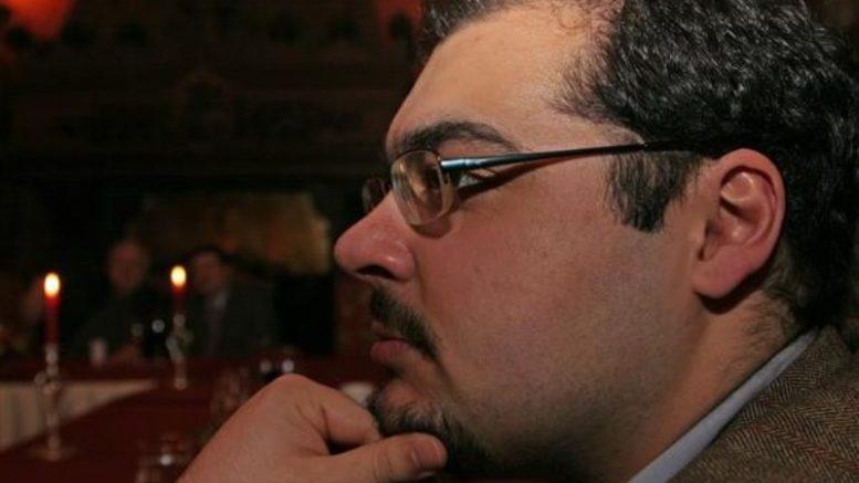 Комментарии Руслана Сафарова на тему конфликта между США и КНР.