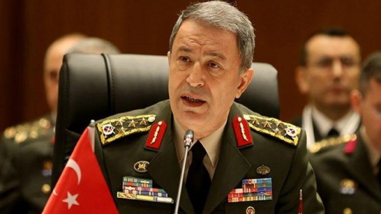 Глава Минобороны Турции Хулуси Акар лично контролирует ситуацию на Средиземном и на Эгейском море.