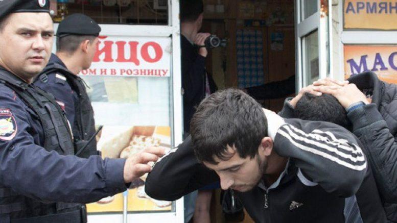 Решение о депортации иностранцев из РФ принято только против азербайджанцев